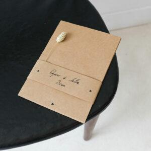Papier à lettre brun